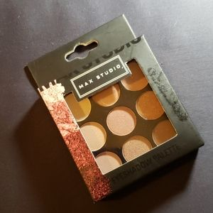 MAX STUDIO Eyshadow Set (9 shades)